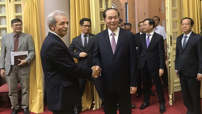An Iranian delegation consisting of 20 Iranian businessmen, including President of Iran Chamber of Commerce, Industries, Mines and Agriculture Gholamhossein Shafei, visited Vietnam on a trade mission to seek ways of improving business relations with the southeastern Asian country.