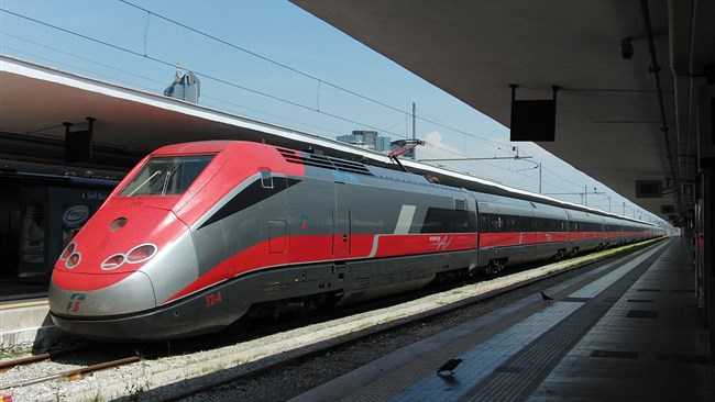 Iran and Italy will sign a deal worth 1.2 billion euros next week to build a high-speed railway between the central cities of Arak and Qom.