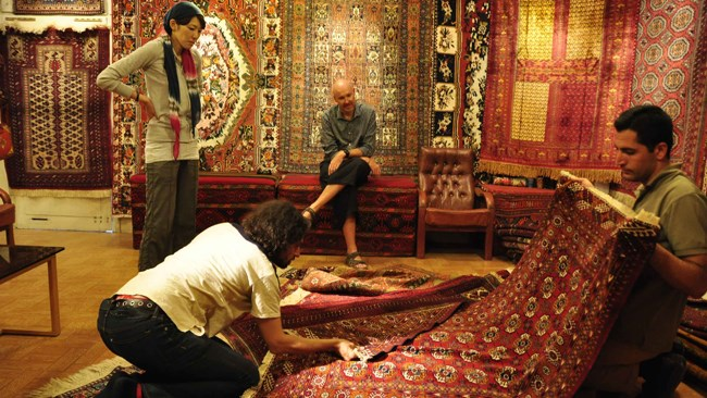 Some 5,400 tons of hand-woven Persian carpets worth $424 million were exported from Iran in the last fiscal year (ended March 20, 2018), registering an increase of 18.11% in value compared to the year before, statistics from the Islamic Republic of Iran Customs Administration show.