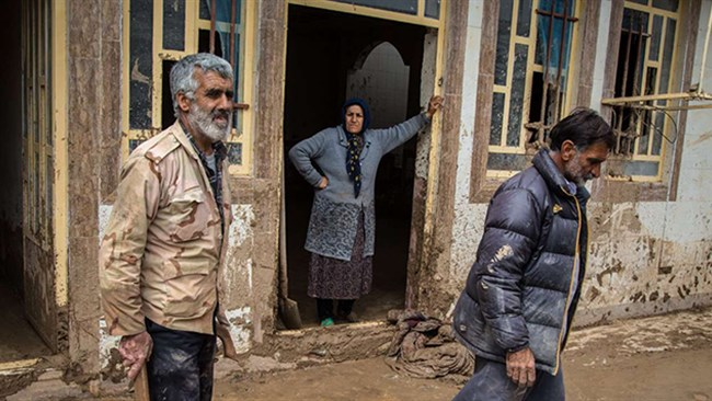 Three weeks of intense rainfalls, deadly flash floods and colossal damage have made local chambers of commerce to rush to aid those affected by the recent inundation in large parts of Iran.