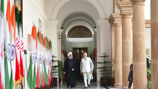 Indian columnist urges the government of Prime Minister Nrandra Modi to keep buying Iranian crude despite the US sanctions in a bid to maintain its leverage in the Iranian market in case sanctions are lifted.