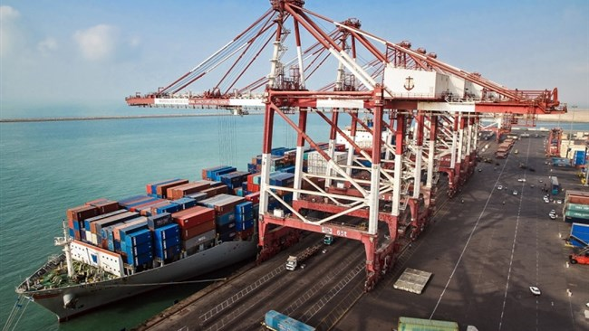 Iran exported around 3.8 million tons of commodities worth $967 million to the UAE during the first quarter of the current Iranian year (March 20-June 20) despite the routine marine and air links between the two countries being interrupted by the coronavirus outbreak.