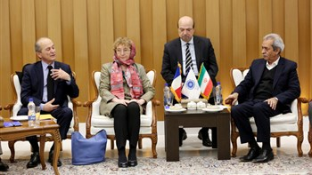 In a meeting with Iran Chamber of Commerce president, French ambassador to Tehran and Business French CEO said France is looking for opportunities to boost relations with Iran private sector.