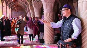 The Iranian authorities are seeking to attract up to two million Chinese tourists a year after Tehran decided to unilaterally revoke visa regime for citizens of the wealthy Asian country.