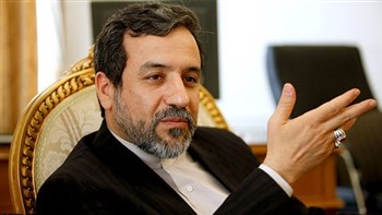 Iran's deputy foreign minister for political affairs reiterated that the nuclear deal signed with world powers would be of no value if sanctions were not lifted.